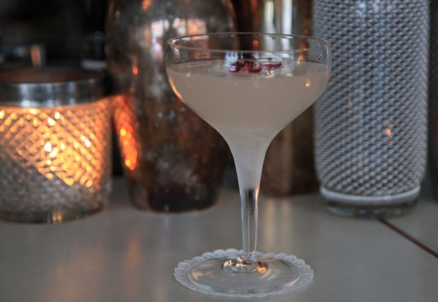 Lychee and Rose Martini © Le Verre à Monique