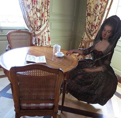 Baroness Matilda enjoying a cup of tea - photo © genevafamilydiaries.net