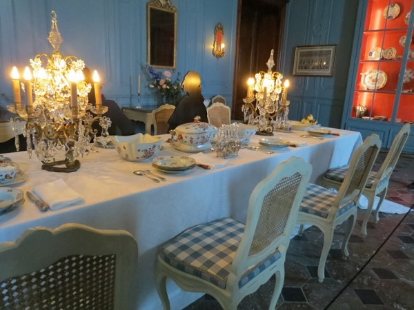 The Baron's dining room at Prangins Castle - photo © genevafamilydiaries.net