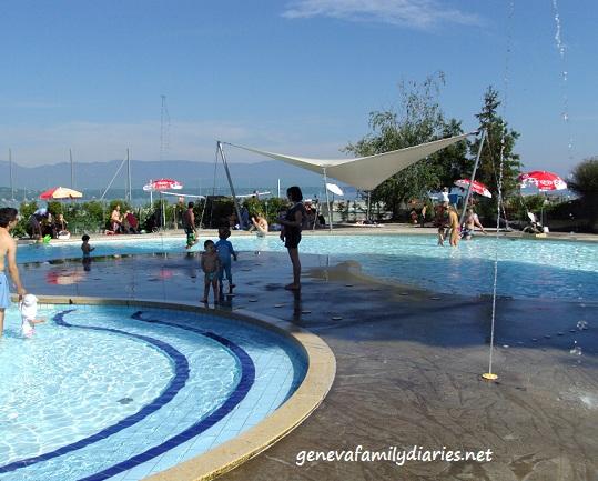 Kids pool at Genève-Plage © genevafamilydiaries.net