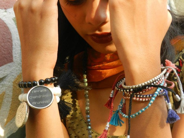 Indian women bracelets © Uzume Spirit, Geneva
