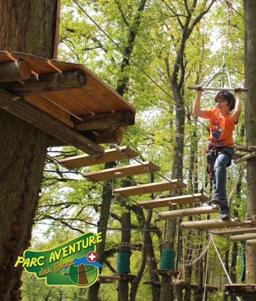 Hold on tight ! © Parc Aventure des Evaux, Onex.