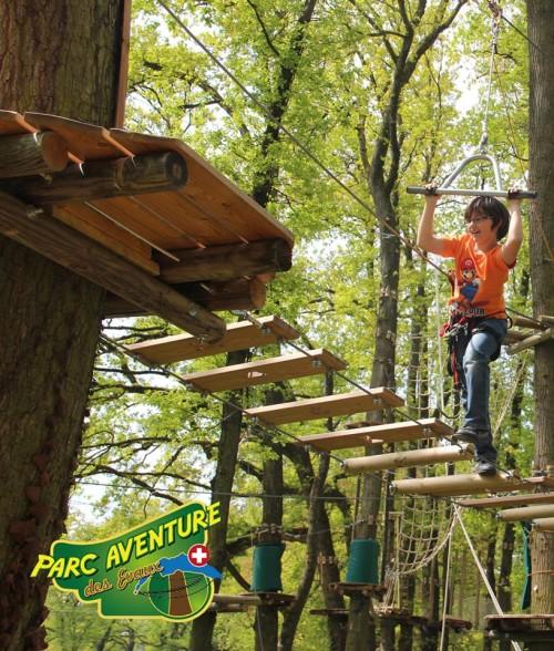 Hold on tight ! © Parc Aventure des Evaux, Onex.