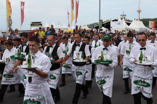 Waiters & waitresses race © 2013 Fêtes de Genève