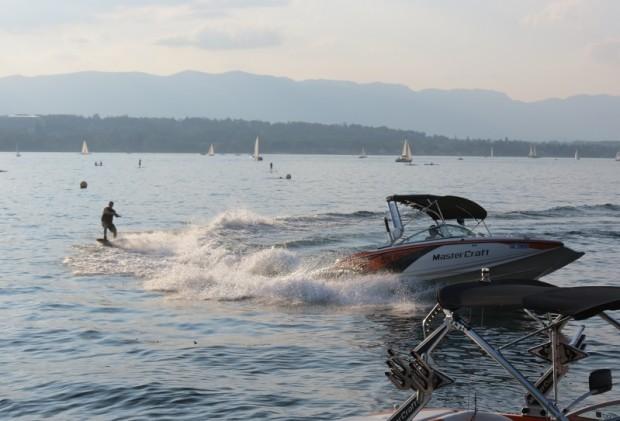 The thrill of lake watersking © genevafamilydiaries.net