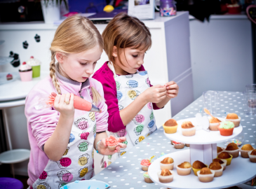 Atelier cupcakes for children © Salon Babyplanet