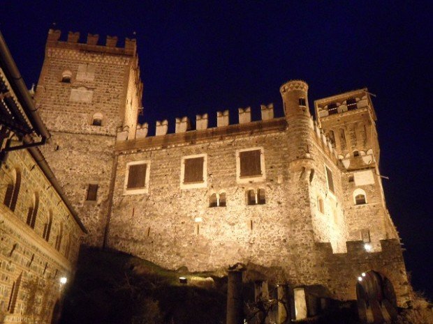 The Castello di Pavone at night - photo © genevafamilydiaries.net