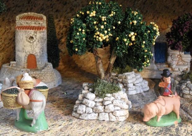 Handmade Santons de provence  - photo © genevafamilydiaries.net