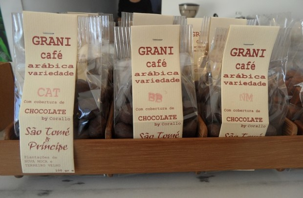 If you love coffee & you love chocolate, this is the place for you - Photo © genevafamilydiaries.net