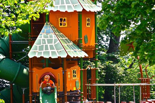 The playground at the Parc Pré Vert Signal de Bougy. Photo © Parc Pré Vert Signal de Bougy