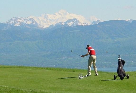 The golf parc. Photo © Parc Pré Vert Signal de Bougy