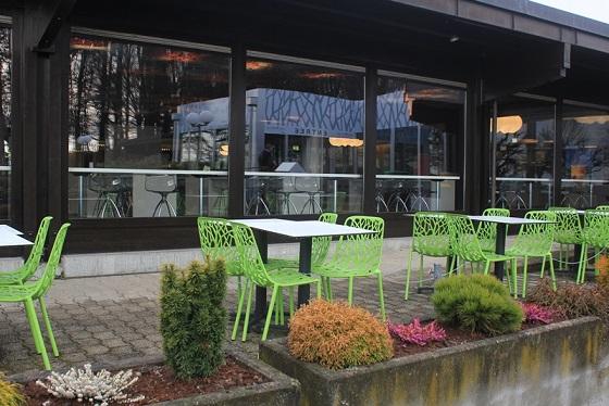 The café-restaurant at the Parc Pré Vert Signal de Bougy. Photo © Parc Pré Vert Signal de Bougy