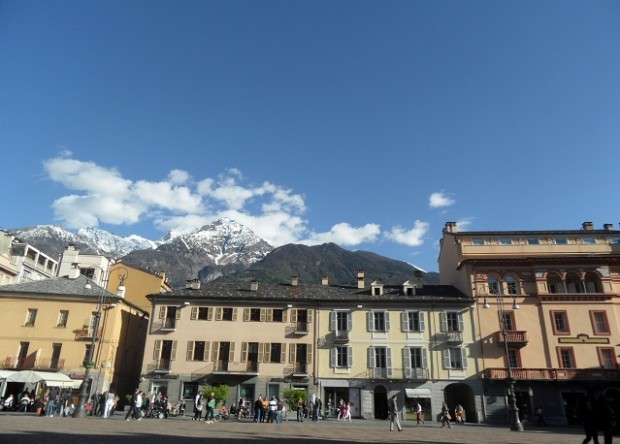 Piazza Chanoux, Aosta (Italy) Photo © genevafamilydiaries.net