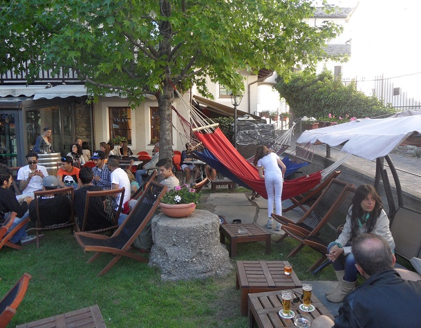 Go along & play on the hammock dearest, mummy needs a sip of lager. B63 Birrificio, Aosta. Photo © genevafamilydiaries.net