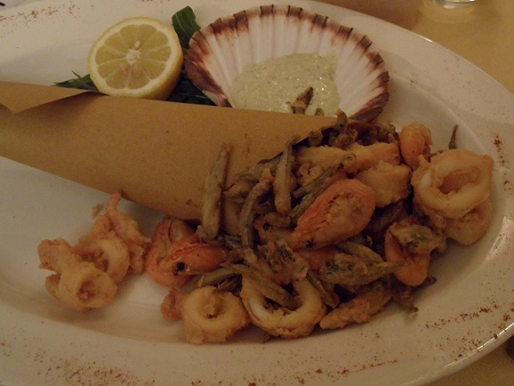 Fritto misto! Il Pulcinella, Rolle. Photo © genevafamilydiaries.net
