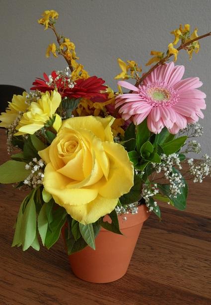 Flower arrangement made at the farm! Photo © genevafamilydiaries.net
