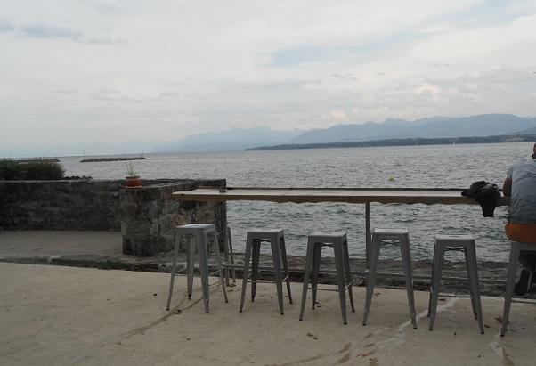 Apéro with a view, Nyon. Photo © genevafamilydiaries.net