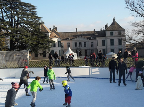 Coppet ice-rink. Photo © genevafamilydiaries.net