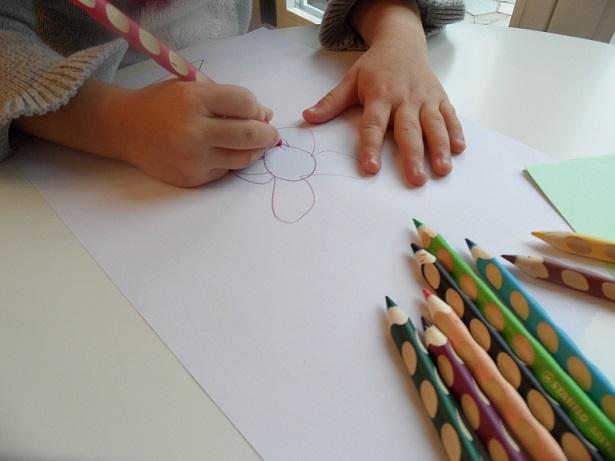 Little artist at work. Photo © genevafamilydiaries.net