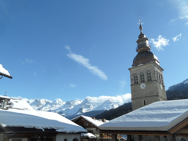 Glorious winter day in La Clusaz. Photo © genevafamilydiaries.net