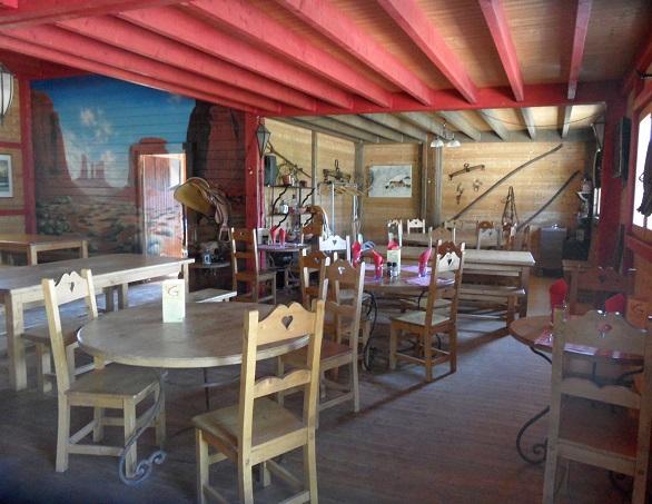 La taverne des ecuries, Grilly. Photo © genevafamilydiaries.net