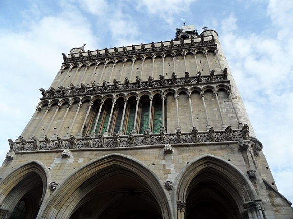 Notre-Dame de Dijon.  Photo © genevafamilydiaries.net