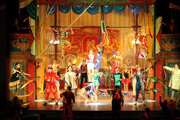 Barnum - the Circus Musical at the Casino Theatre, Geneva. Photo © Simply Theatre Academy
